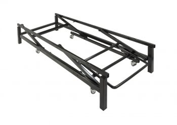 Sliding lifting system with pedal